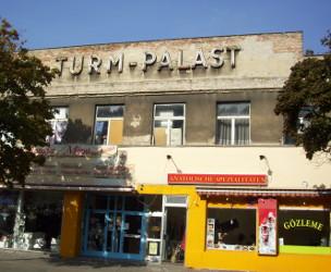 Turm-Palast-250